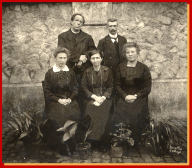 Abbé Cambier et 3 institutrices